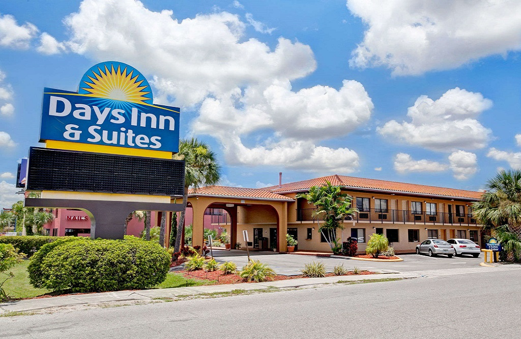 Days Inn and Suites Orlando UCF - Exterior