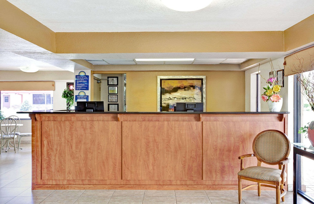 Days Inn and Suites Orlando UCF - Reception