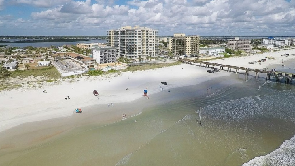 Beach Quarters Resort Daytona - Aerial View