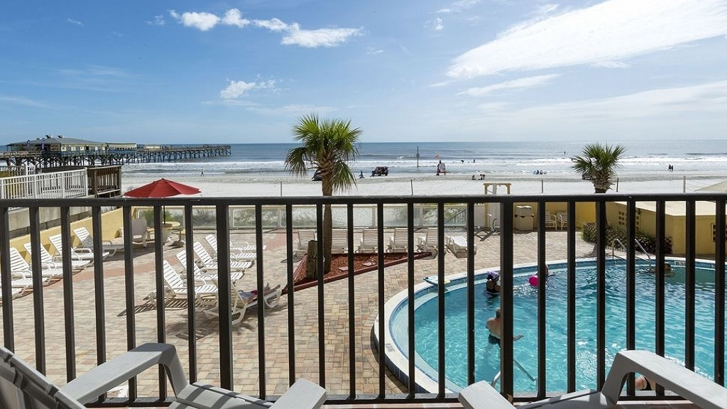 Beach Quarters Resort Daytona - Balcony View1