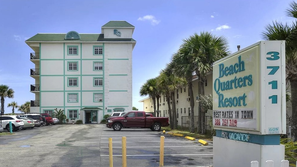 Beach Quarters Resort Daytona - Entrance