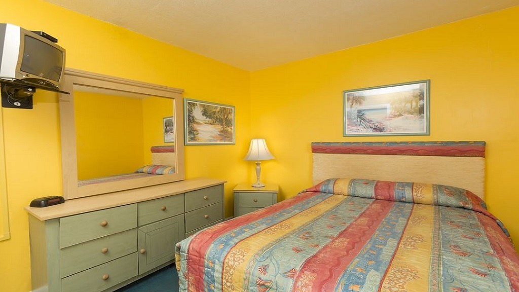 Beach Quarters Resort Daytona - Single Bed Room