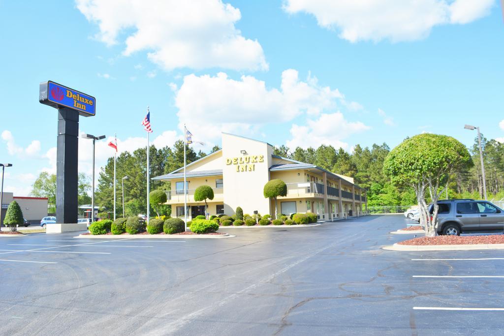 Deluxe Inn Fayetteville - Exterior -1