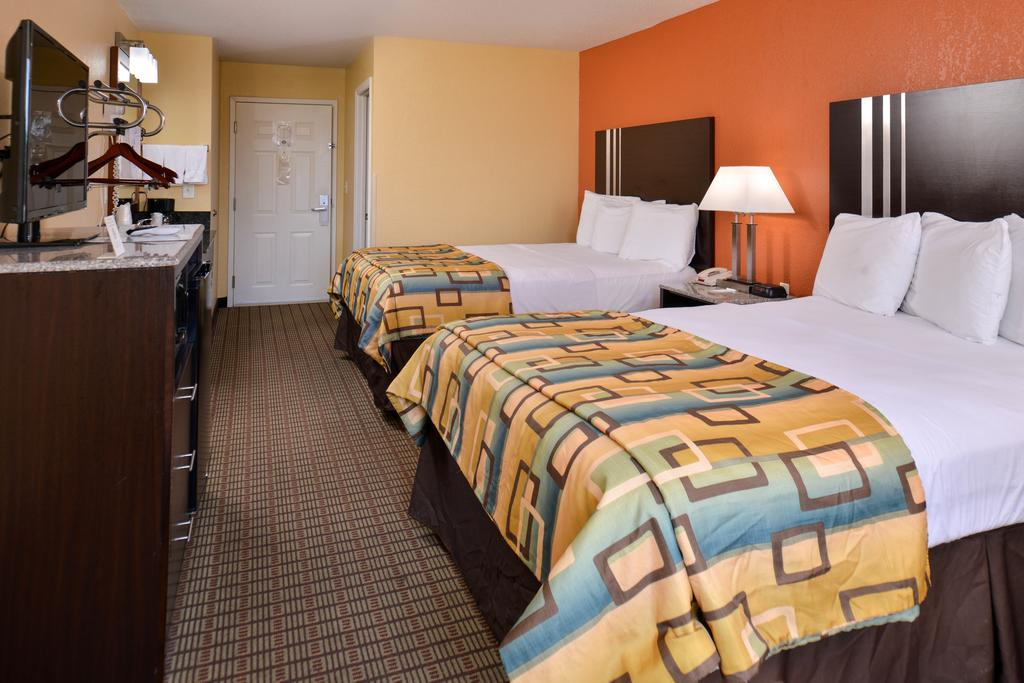 Douglas Inn & Suites - Double Beds Room2