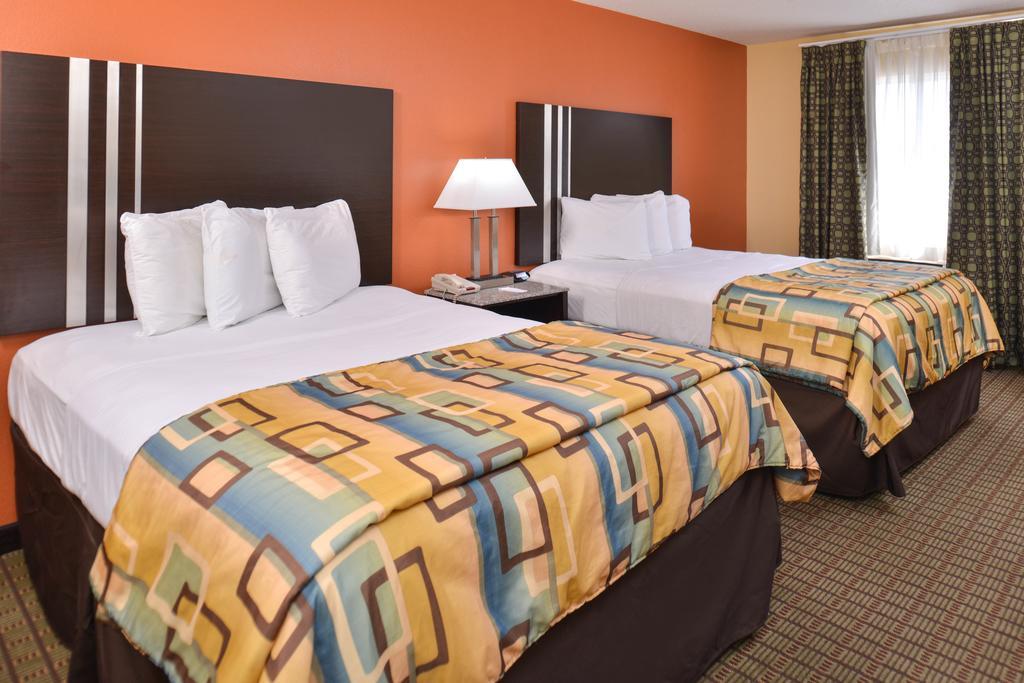 Douglas Inn & Suites - Double Beds Room