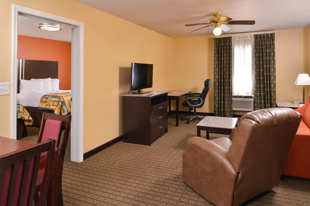 Douglas Inn & Suites - Single Bed Room with Sofa Bed