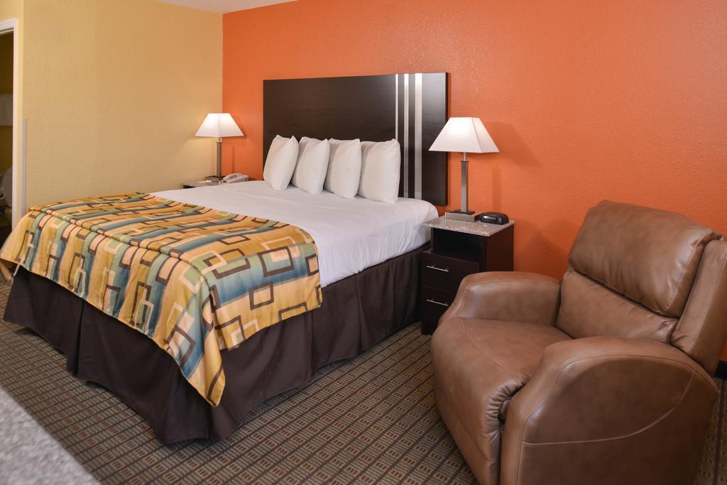 Douglas Inn & Suites - Single Bed Room