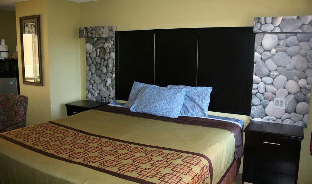 Driftwood Beach Motel - Single Bed Room-1