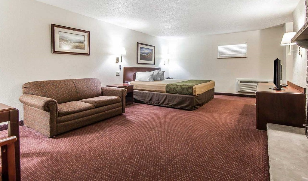 Econo Lodge Inn & Suites on the River - Single Bed Room-5