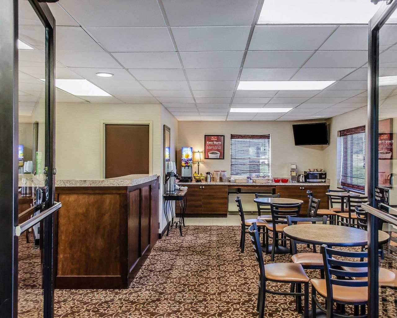 Econo Lodge Lancaster - Lobby-1