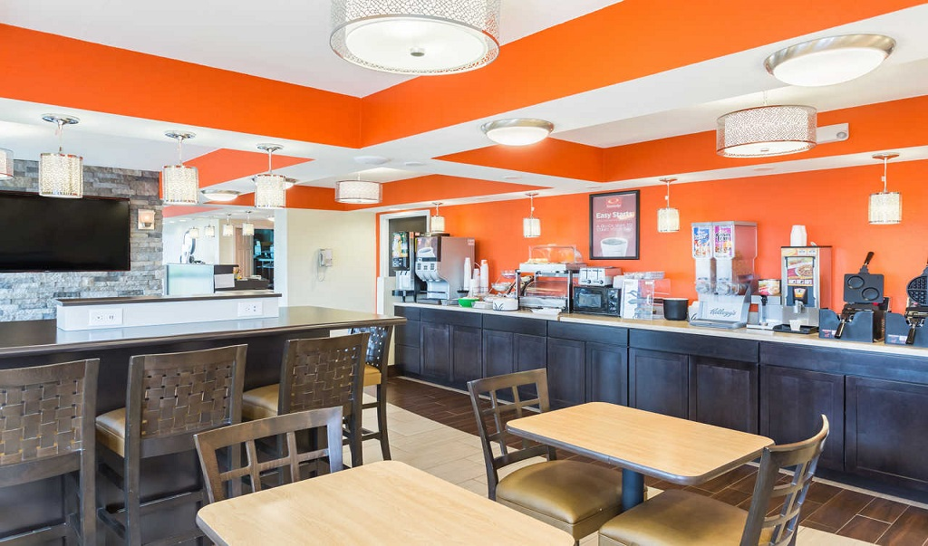 Econo Lodge White Pine - Breakfast Area