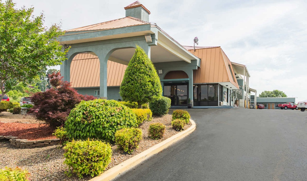 Econo Lodge White Pine - Exterior