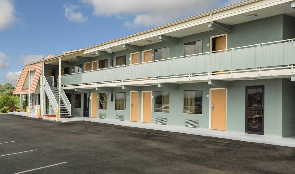Econo Lodge White Pine - Exterior-3