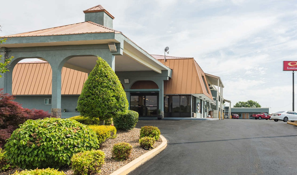 Econo Lodge White Pine - Exterior-1