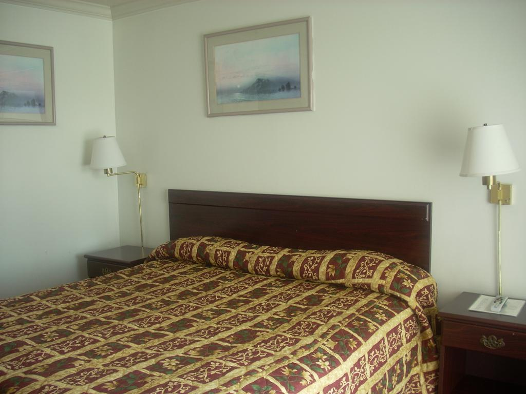 Economy Inn Seaside - Single Bed Room-1