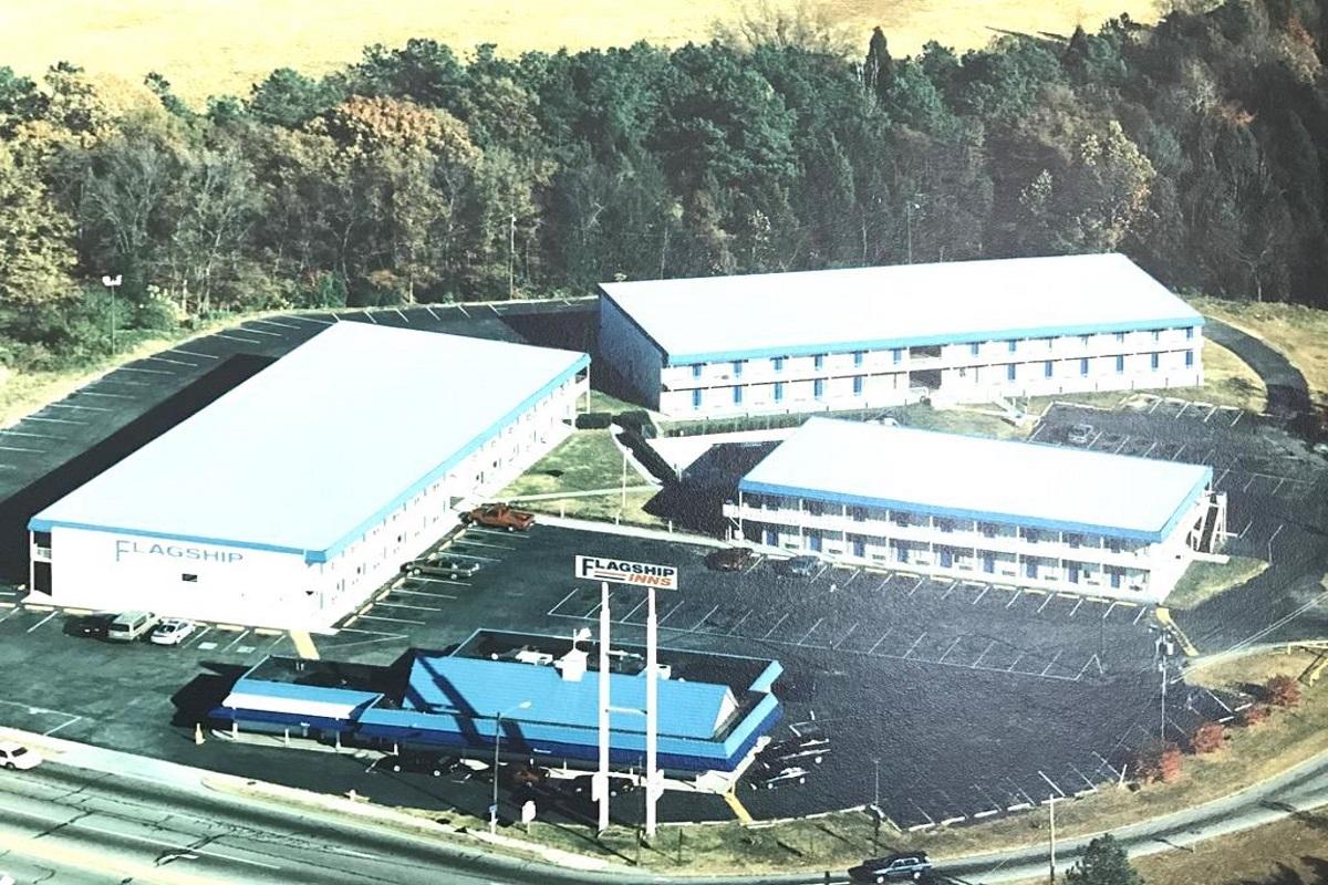 Flagship Inn - Aerial View
