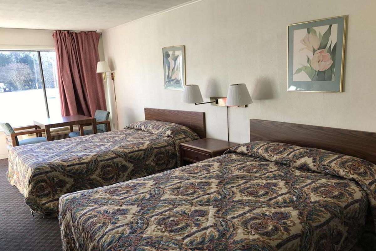 Flagship Inn - Double Beds-1
