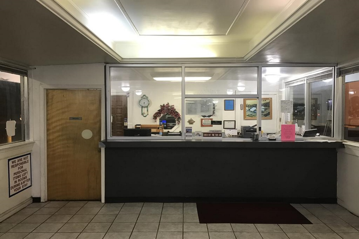 Flagship Inn - Lobby-1