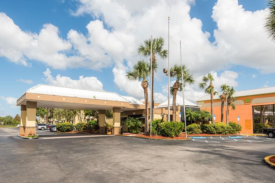 Floridian Express - Exterior-3