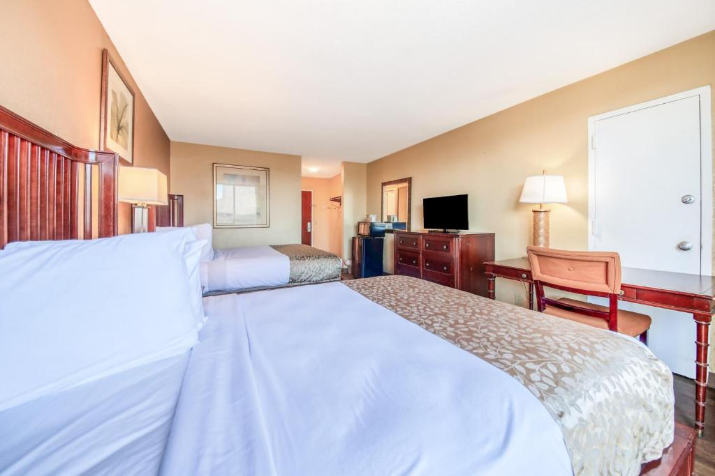 Floridian Express Extended Stay Hotel - Double Beds Room-7