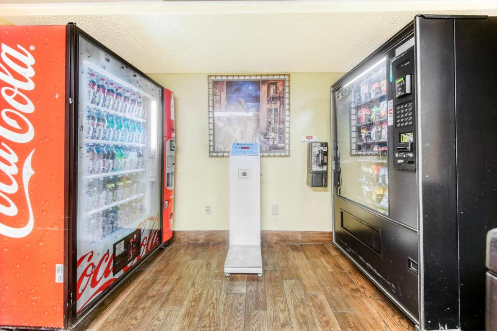Floridian Express Extended Stay Hotel - Vending Area-1