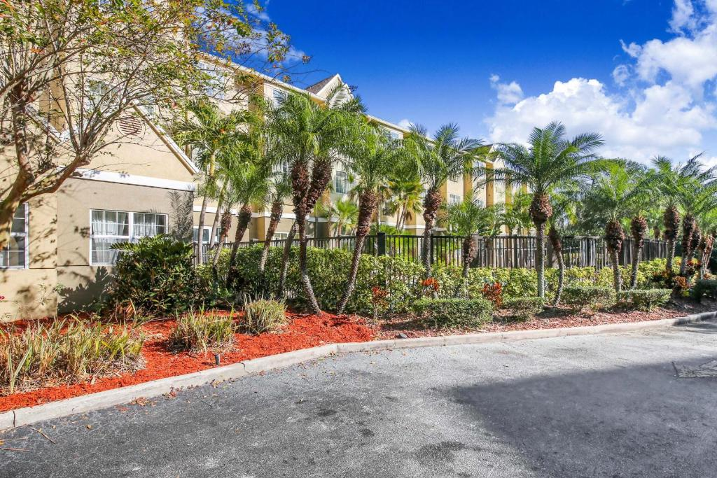 Floridian Hotel and Suites Extended Stay Orlando - Exterior-2