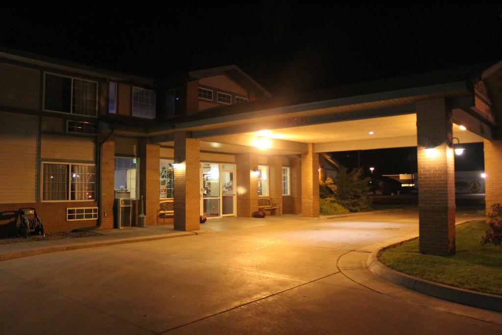 Garden City Inn - Exterior-1