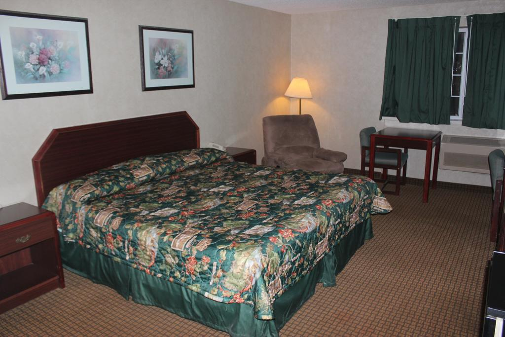 Garden City Inn - Single Bed