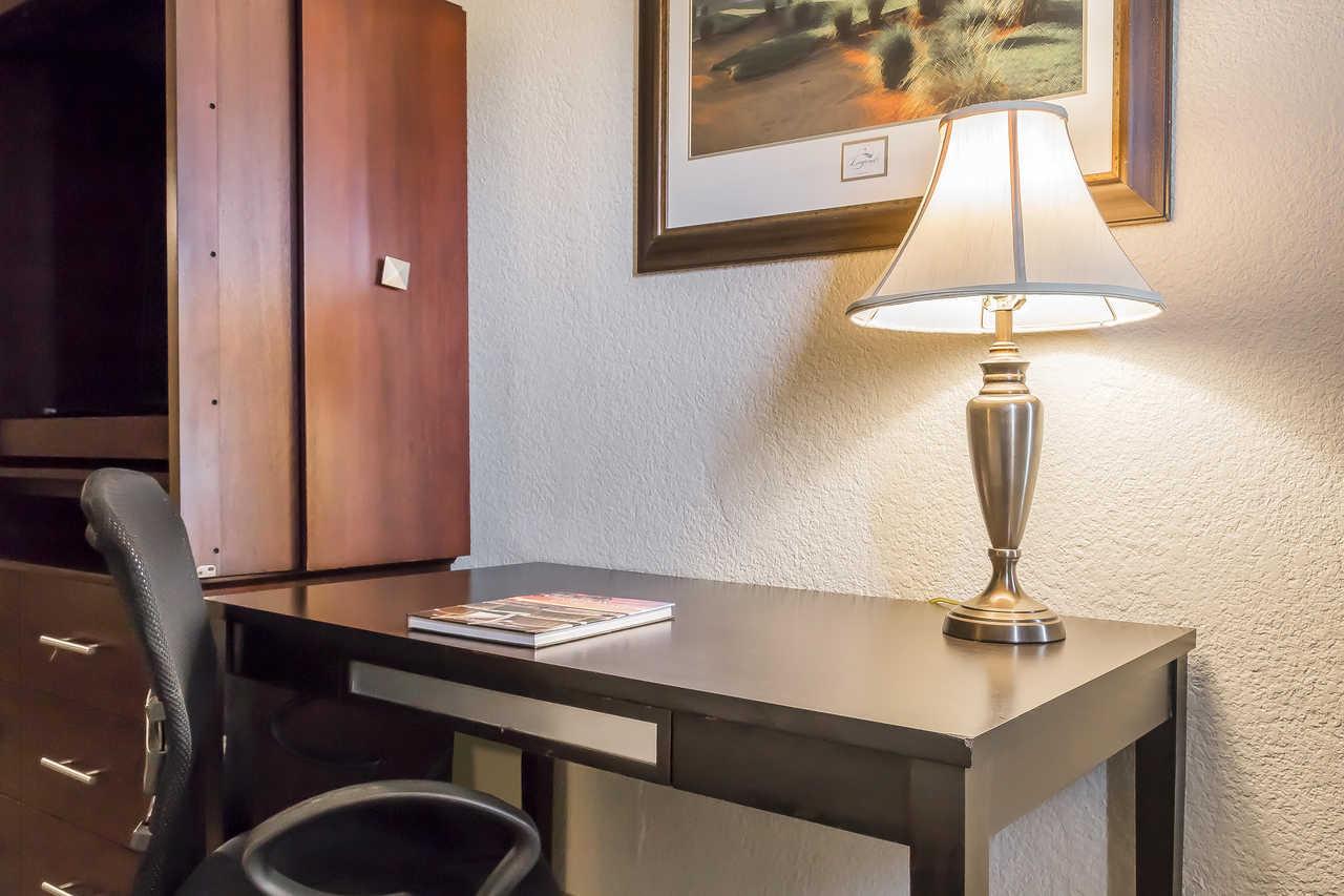 Grand Hilton Head Inn - Inside Room
