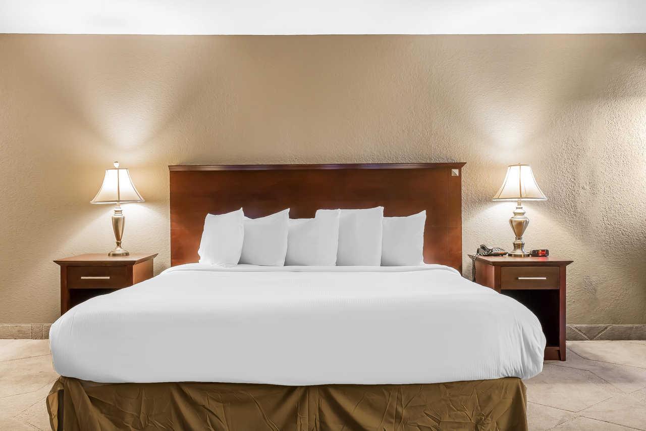 Grand Hilton Head Inn - King Bed
