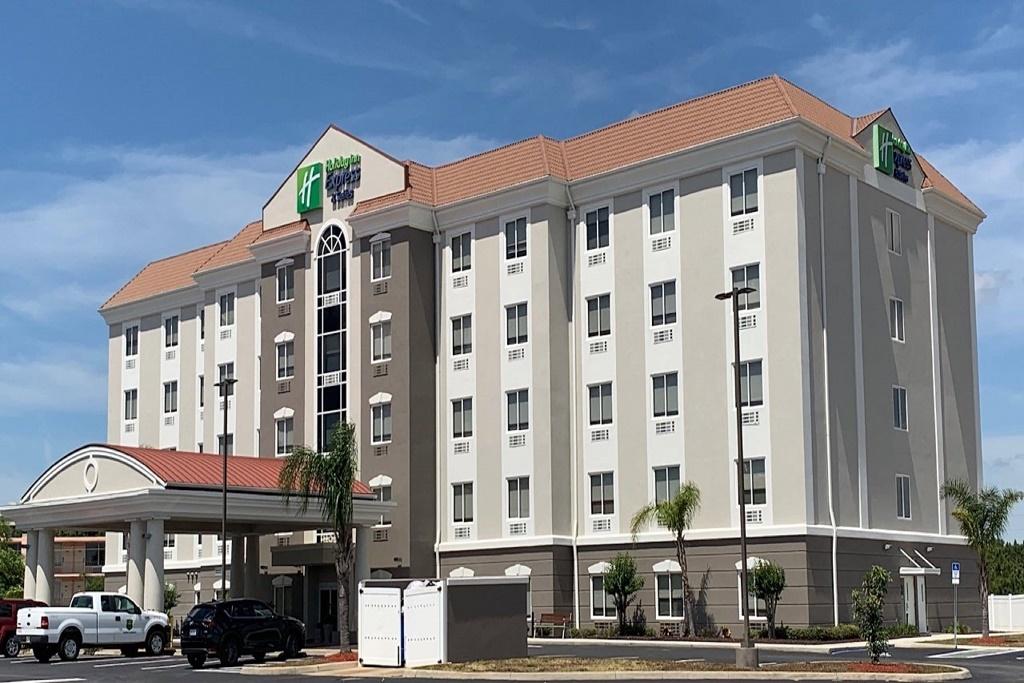 Holiday Inn Express South Davenport - Exterior-2
