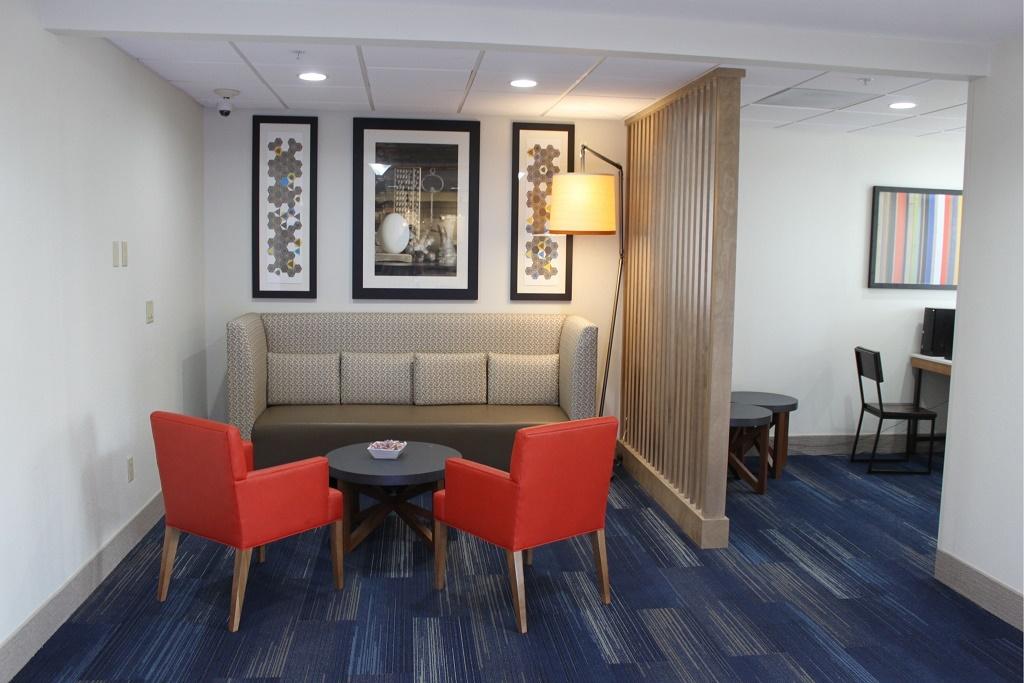 Holiday Inn Express South Davenport - Lobby Aare-3