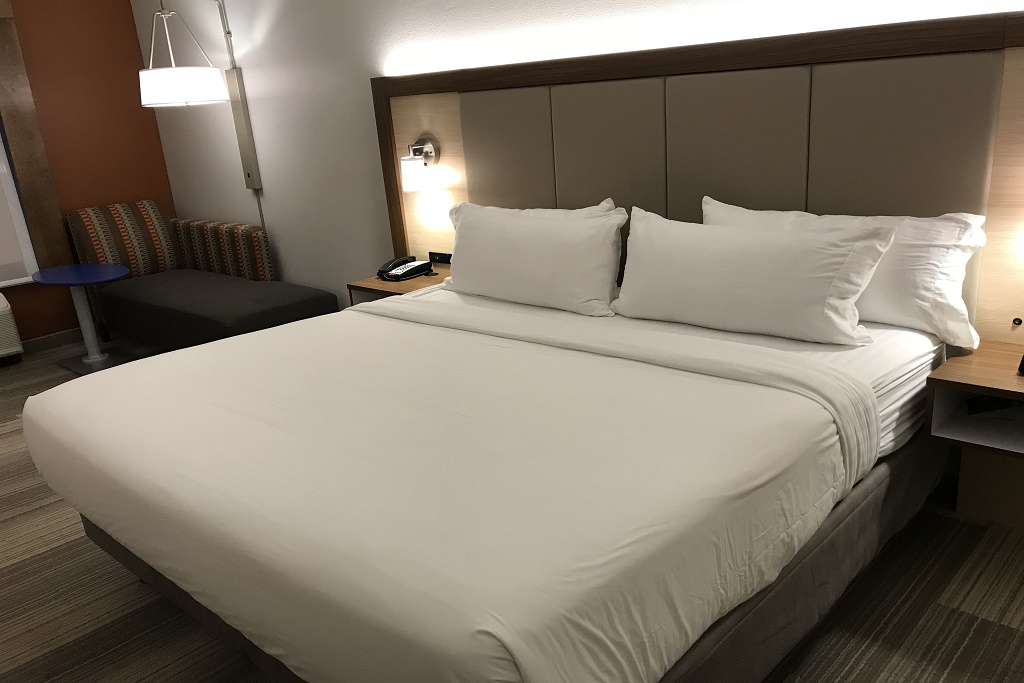 Holiday Inn Express South Davenport - Single Bed Room-2