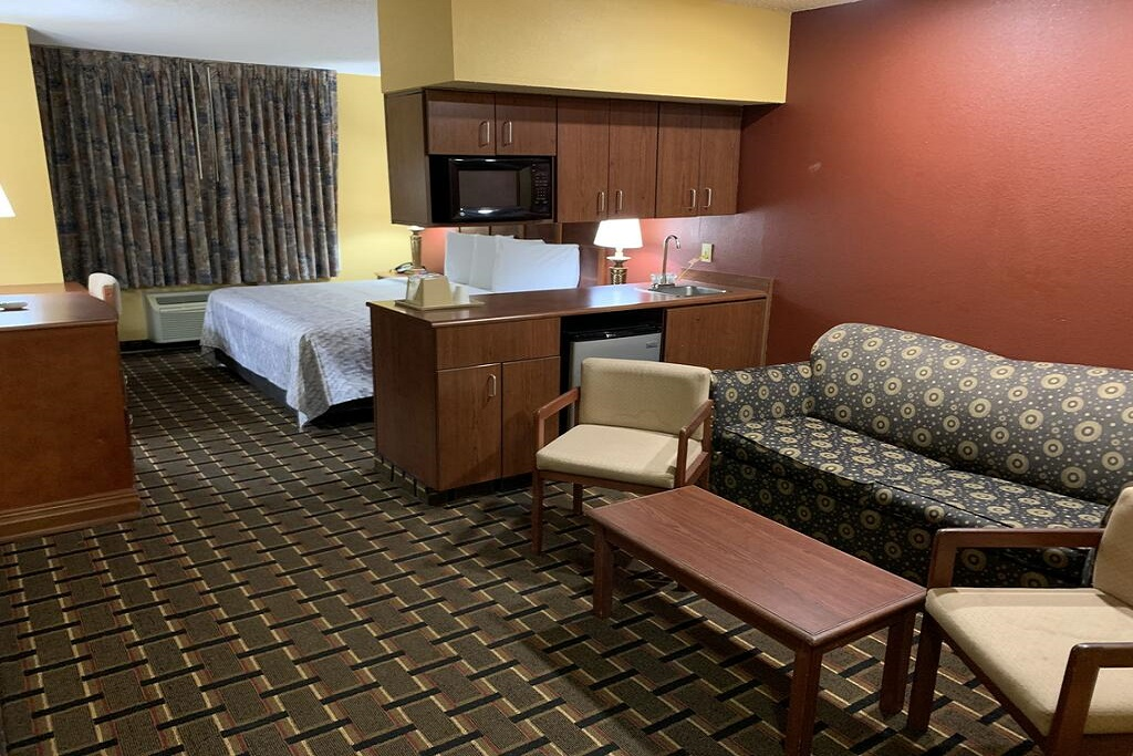 HomeTown Inn & Suites - Single Bed Room-2