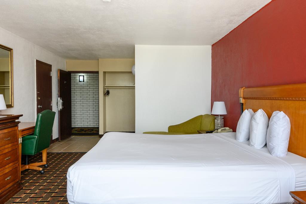 FairBridge Inn Express Corpus Christi - Single Bed Room-4