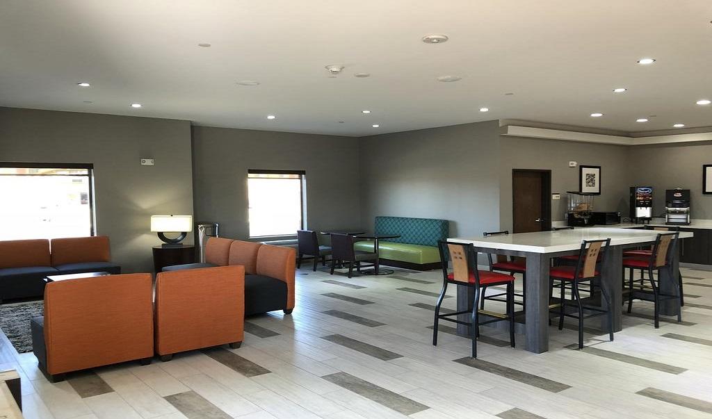 Hotel Glenpool   Lobby 2