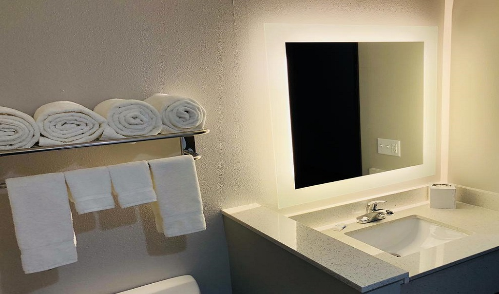 Hotel Glenpool - Room Bathroom
