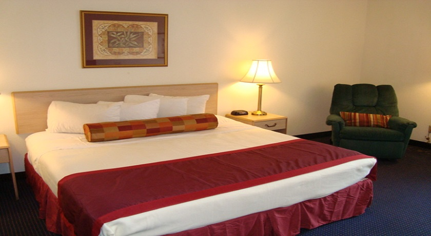 Hotel Pigeon Forge - King Room-3