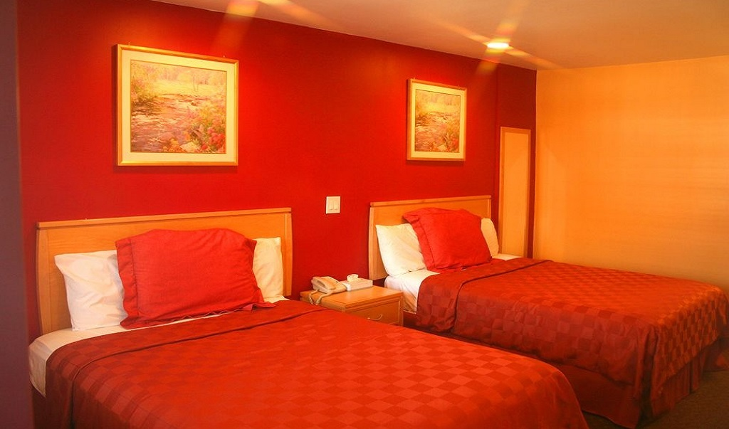 La Casa Inn Motel - Double Beds-1