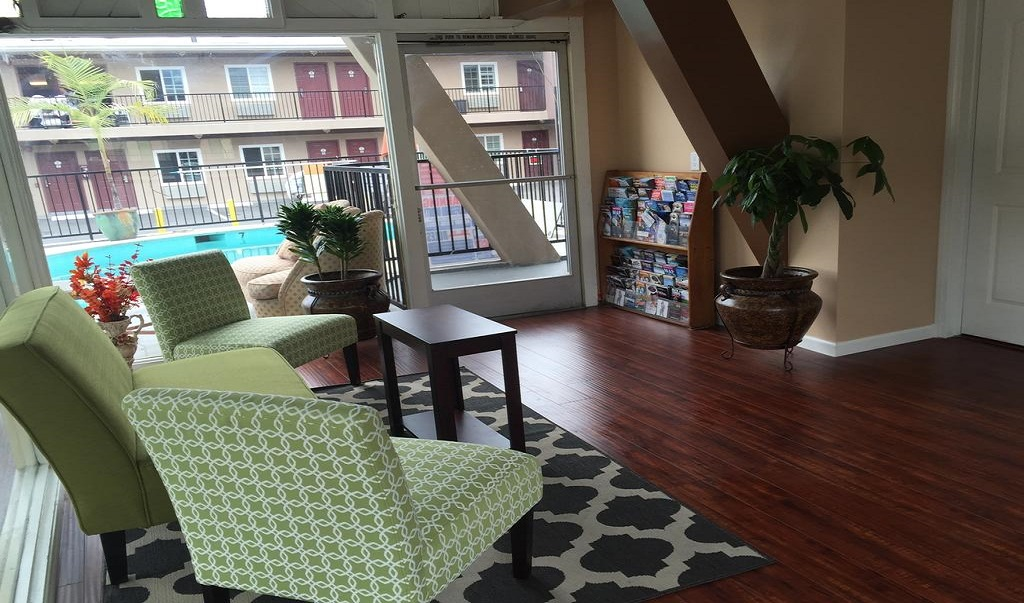 La Casa Inn Motel - Lobby-2