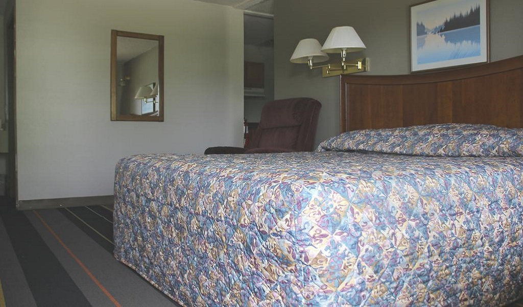 Lake Erie Lodge - Single Bed