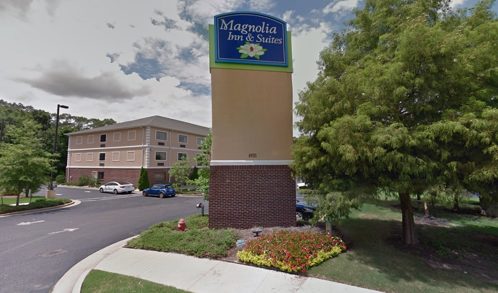 Magnolia Inn And Suites - Exterior-2