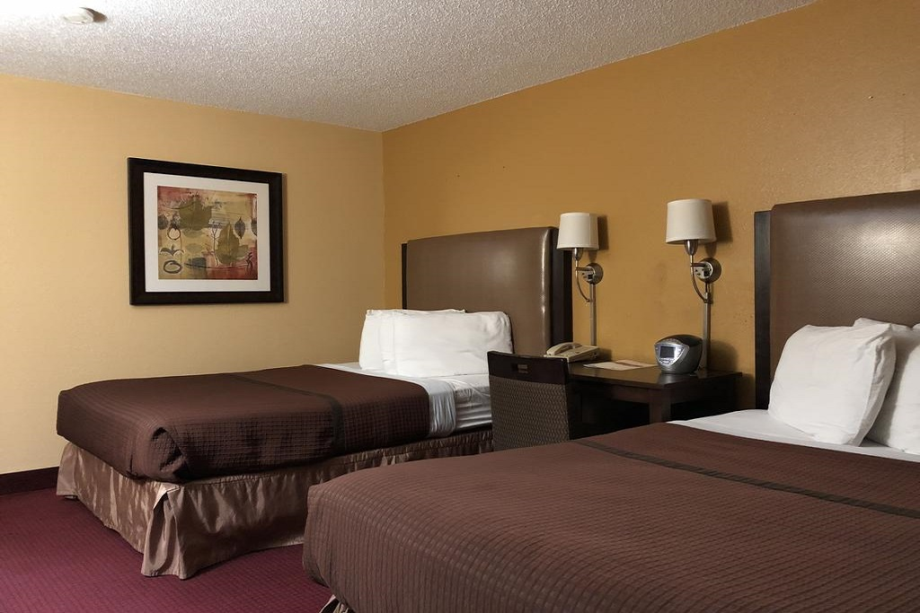 Magnuson Hotel Fort Wayne North - Double Beds Room-1