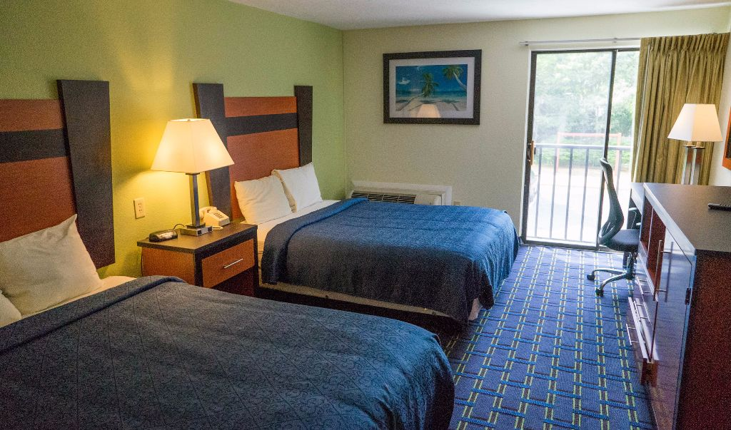 Mariner Motor Lodge Cape Cod - Double Beds-1