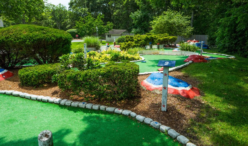 Mariner Motor Lodge Cape Cod - Garden-2