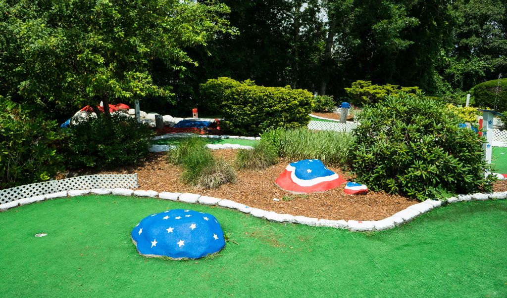 Mariner Motor Lodge Cape Cod - Garden-1