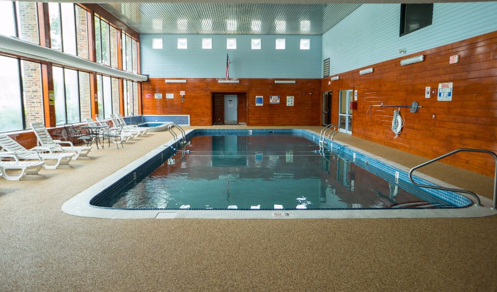 Mariner Motor Lodge Cape Cod - Pool-1