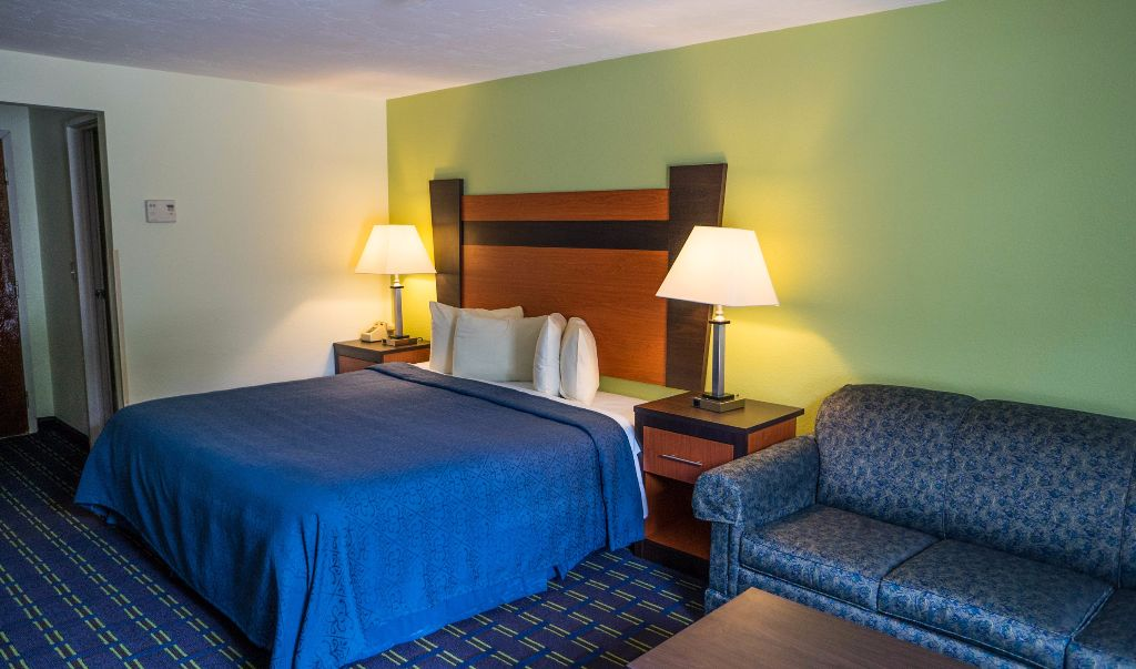 Mariner Motor Lodge Cape Cod - Single Bed with Sofa-3