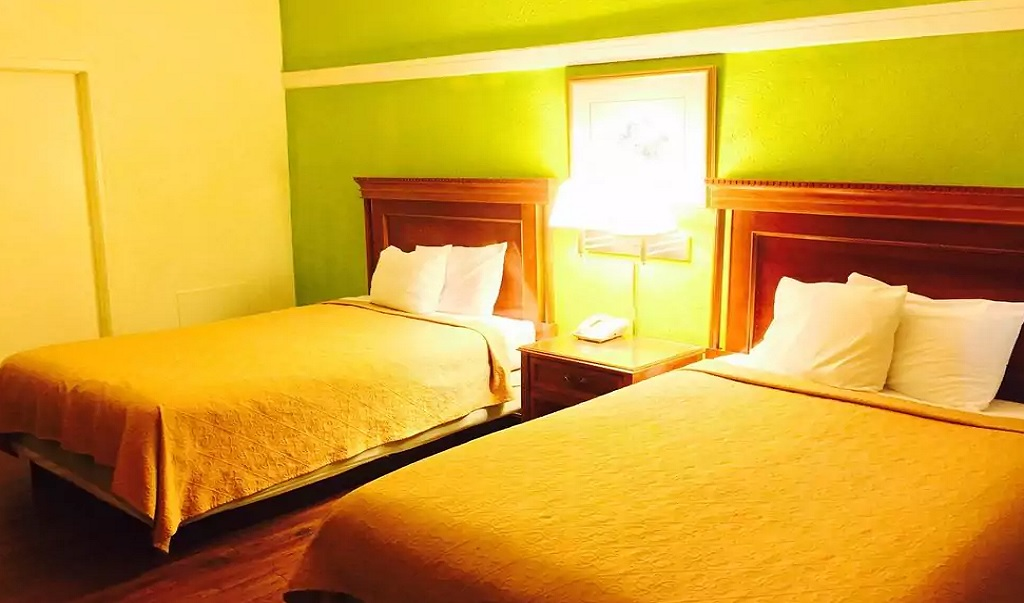 Hotel M & Conference Center - Double Beds