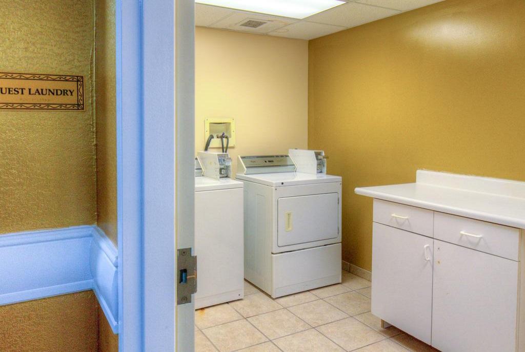 Hotel M Mount Pocono - Guest Laundry